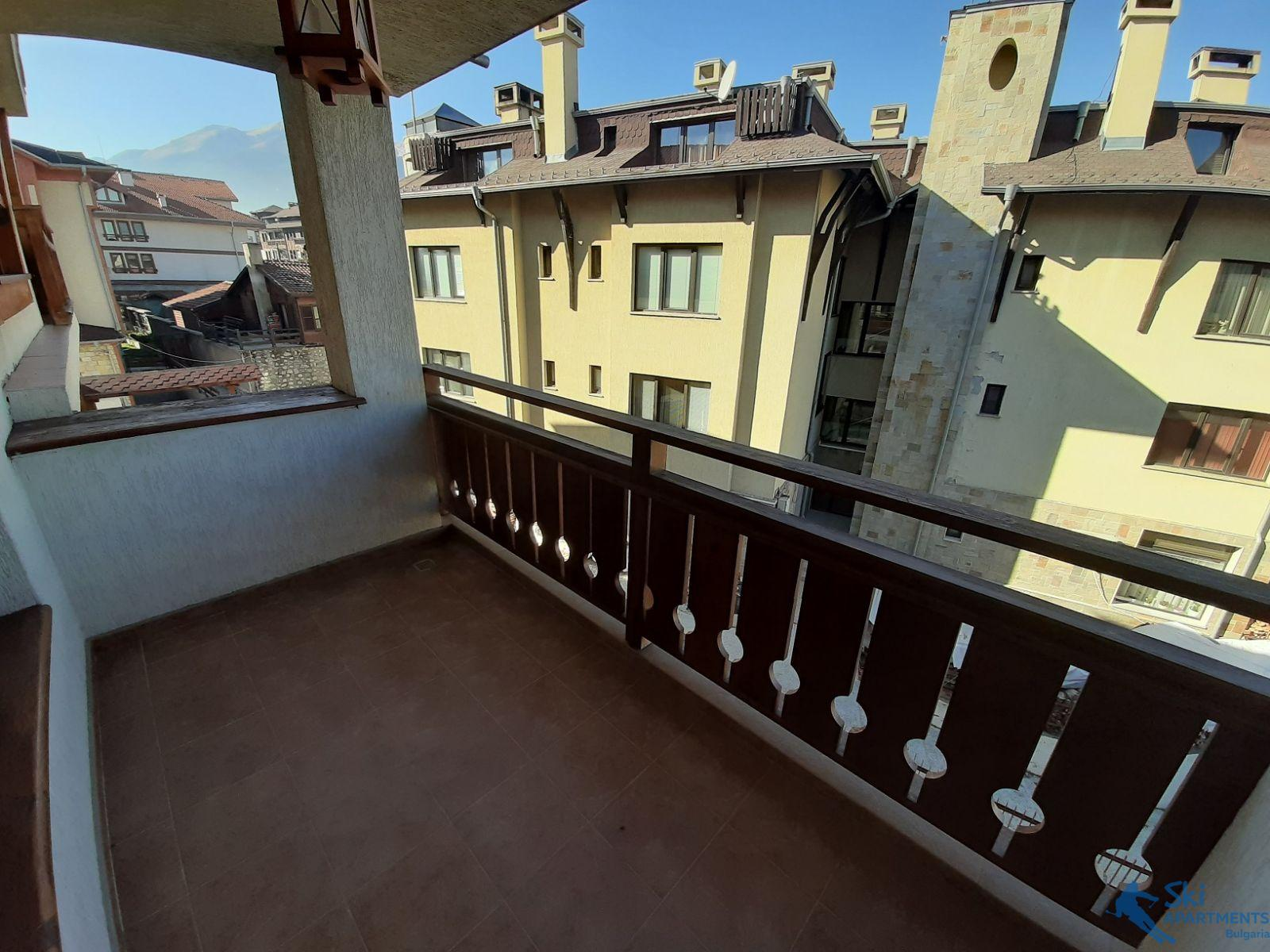 furnished one-bedroom apartment just 10 minutes from the ski lift