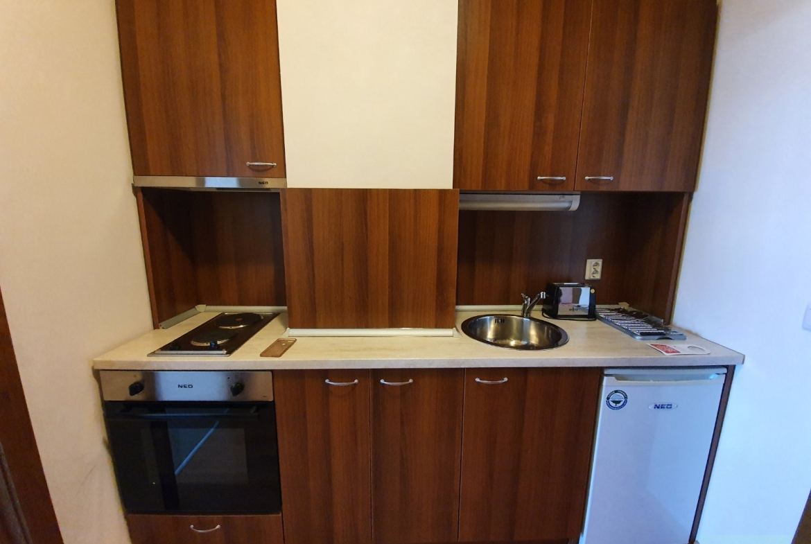 """bansko: furnished studio for sale 50 meters from the ski lift, complex """"vihren palace ski and spa"""" 4*"""