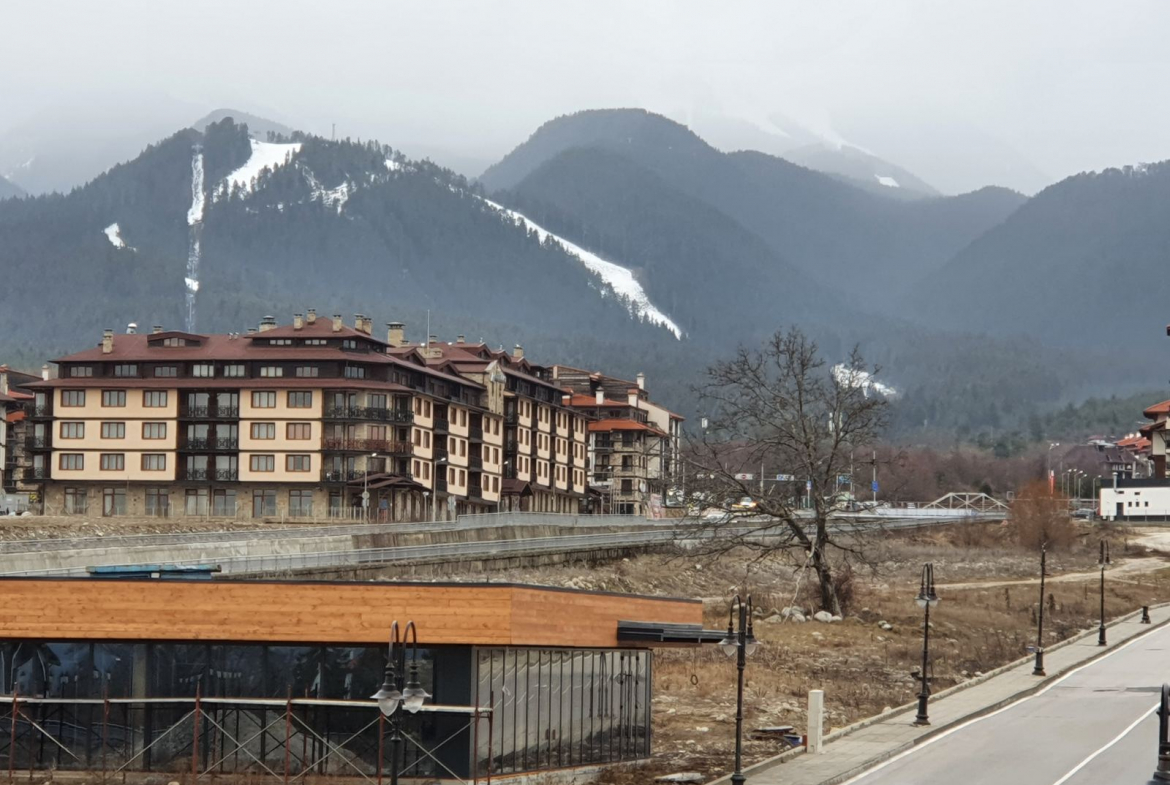 studio 100 meters from the ski lift for sale